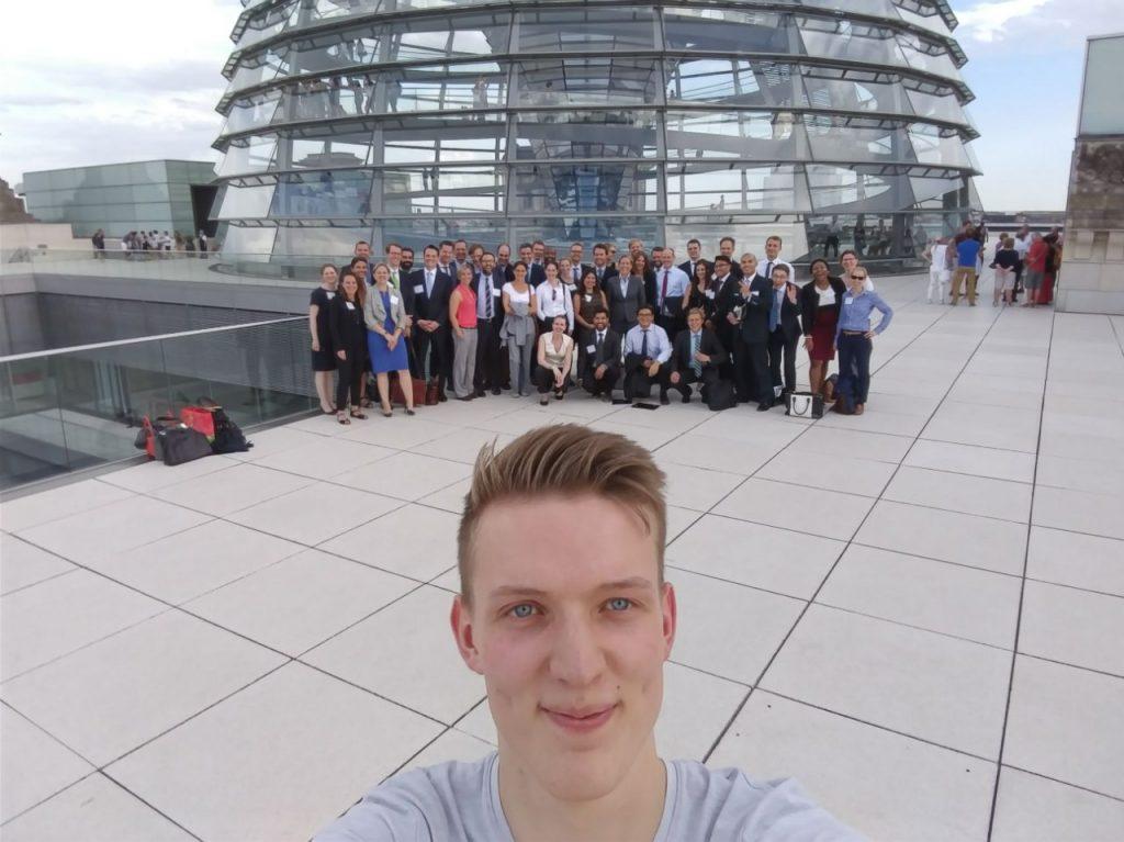 Ulrich_Hampel_American-German-Young-Leaders_besuchen_Deutschen_Bundestag